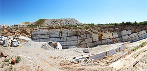 Carrière Azul nº4 – Rafaéis, où nous faisons l'extraction du calcaire connu comme Azul Valverde.