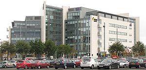 Edifício Gateway, na Titanic Quarter, Belfast, Irlanda
