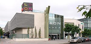 Leon Plaza, Espanha