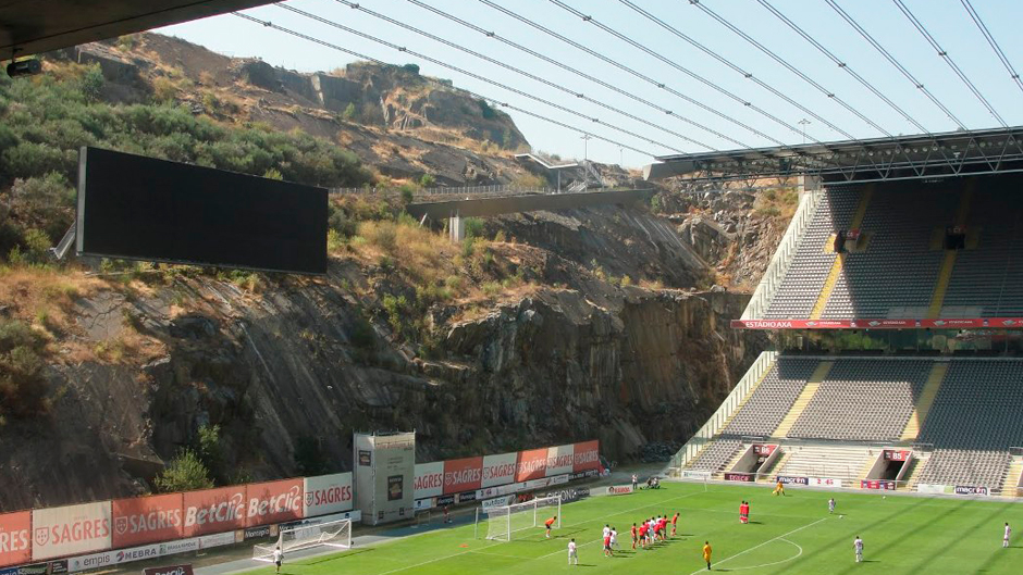 Reabilitação de pedreiras: Estádio Municipal de Braga, Portugal